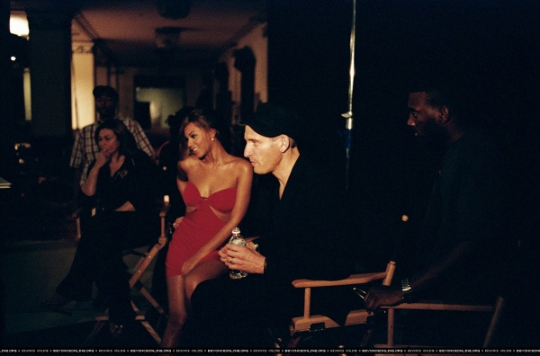 Me Myself And I Behind The Scenes 04 Beyonce Online Photo